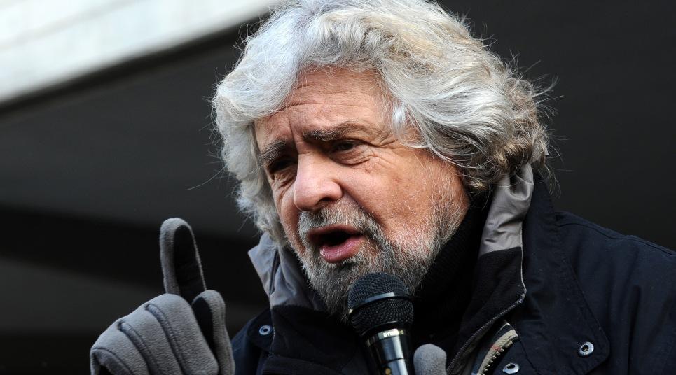 Beppe_Grillo_m5s-immigrazione-clandestini-euro-trasparenza-espulsioni