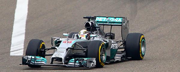 Lewis Hamilton ha vinto a Shanghai (foto: Getty Images)