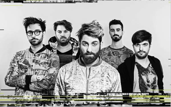 I MasCara. Da sinistra: Simone Scardoni, Claudio Piperissa, Lucantonio Fusaro, Marco Piscitiello, Nicholas Negri (musicclub.eu)