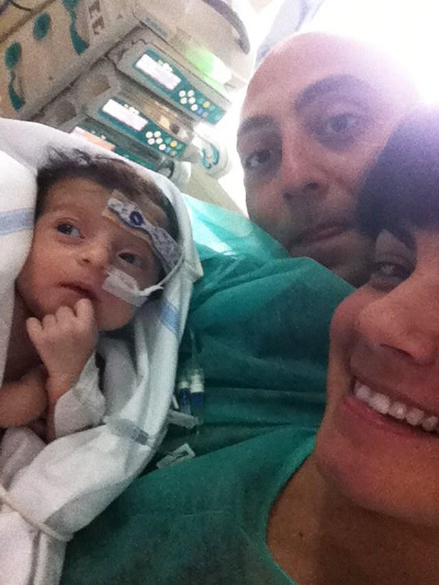 La piccola Sofia con mamma Carmela e papà Antonello
