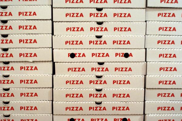 Durante i Mondiali 2014 circa 23 milioni di italiani mangeranno la pizza, mettendo in circolazione 23 milioni di contenitori per pizza (pizzabout.it)