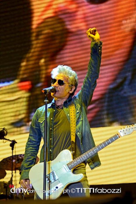 Luciano-Ligabue-Mondovisione-Tour-Stadi-2014-stadio-Arechi-salerno-concerto-scaletta-foto-6