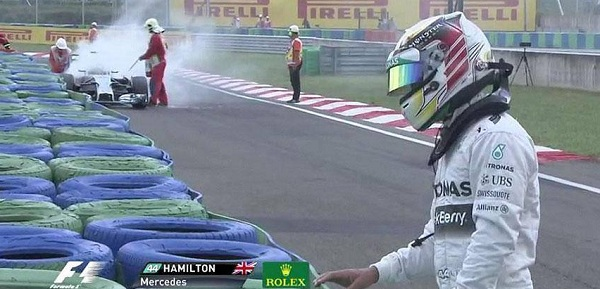 Hamilton è stato costretto a fermarsi in Q per un incendio sulla sua Mercedes