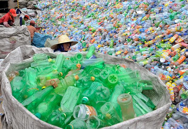 cumuli di plastica: i Riciclatori sono una possibilità per evitarli (puntoacapo.it)