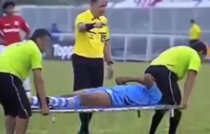 banksy-video-calcio-infortuni