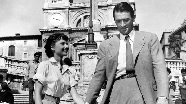 """Una scena del film """"Vacanze romane"""" di William Wyler (nuovocinemalocatelli.com)"""