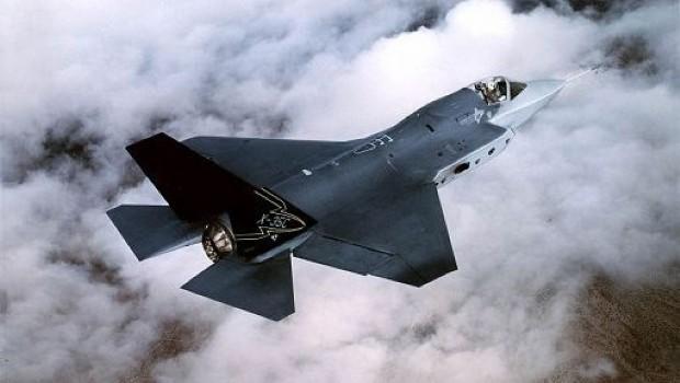 Aereo Da Caccia Americano : Stanotte i primi attacchi aerei usa contro l isis in iraq
