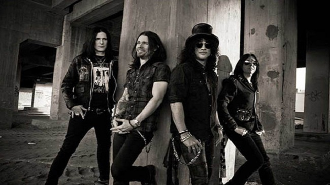 slash and the conspirators world on fire - rollingstone.com.ar