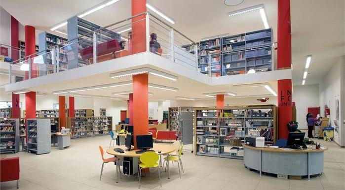 La biblioteca Canova all'Isolotto (Firenze)
