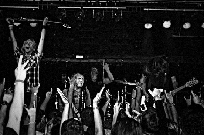 Black Stone Cherry live metallized it