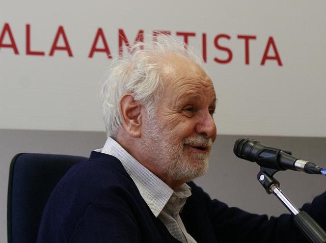 Goffredo Fofi è saggista, attivista, giornalista e critico letterario, cinematografico e teatrale