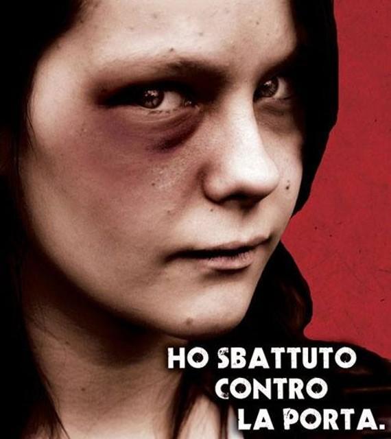 Il solito spot con il volto tumefatto di una donna che alimenta e nutre gli stereotipi e i luoghi comuni (Fonte foto: www.ossinotizie.it)