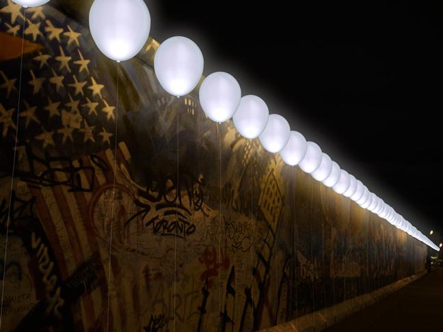 Berlino palloncini illuminati
