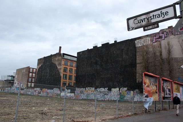 blu-murales-berlino-brothers-chains-cancellati