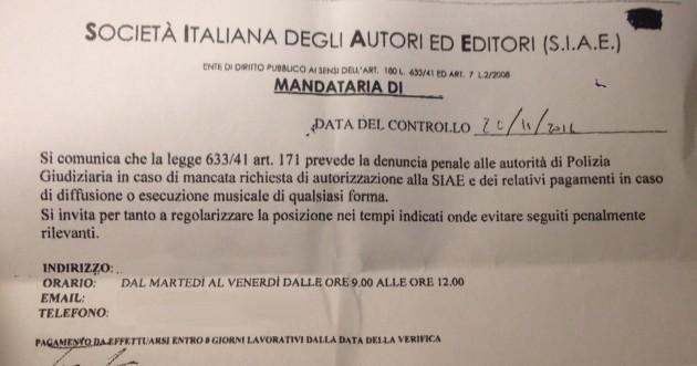 Il testo di un avviso della Siae mandato a centinaia di esercizi commerciali italiani (Fonte foto: www.ilfattoquotidiano.it)