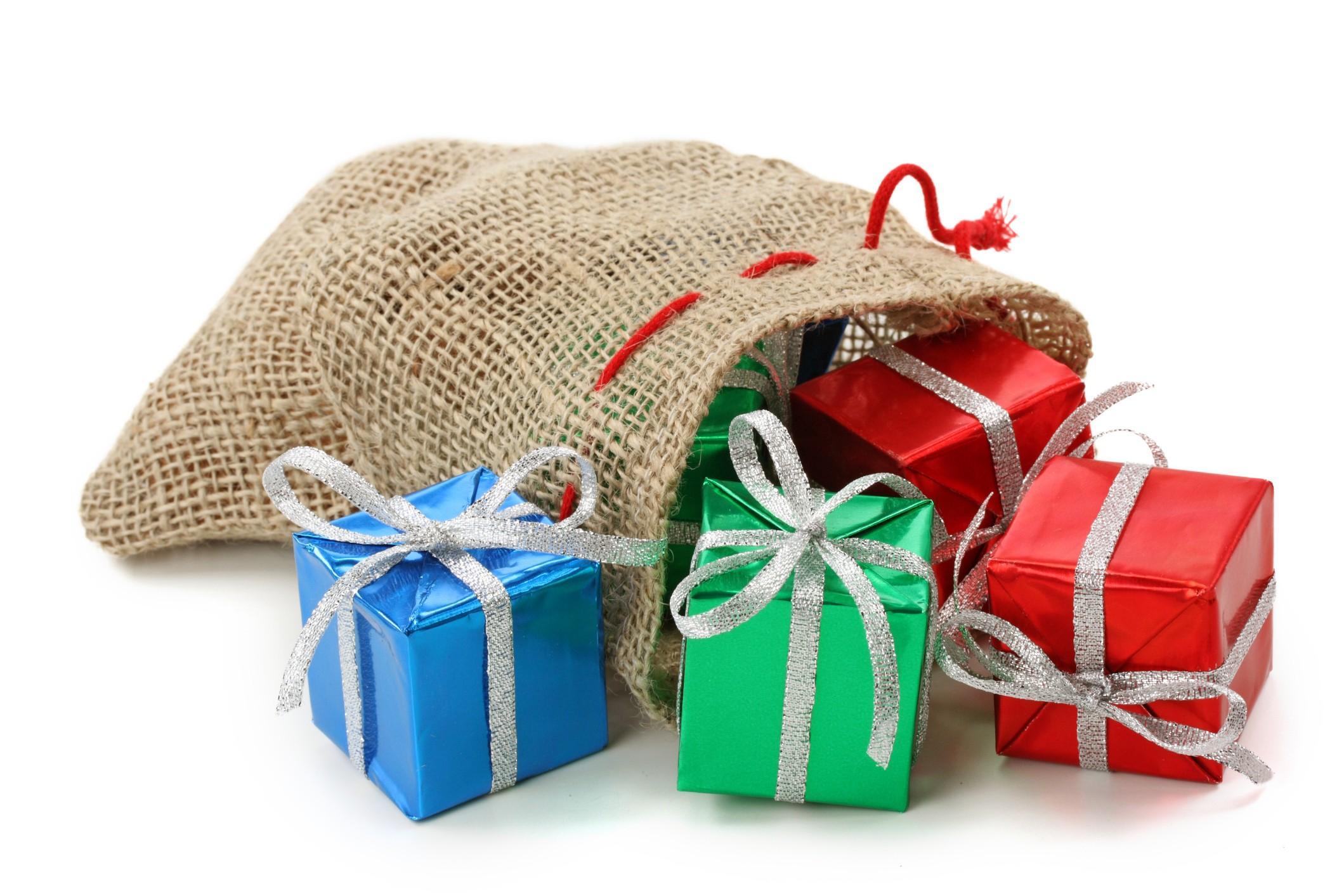 Sei disoccupato diventa babbo natale frequentando la - Immagine di regali di natale ...