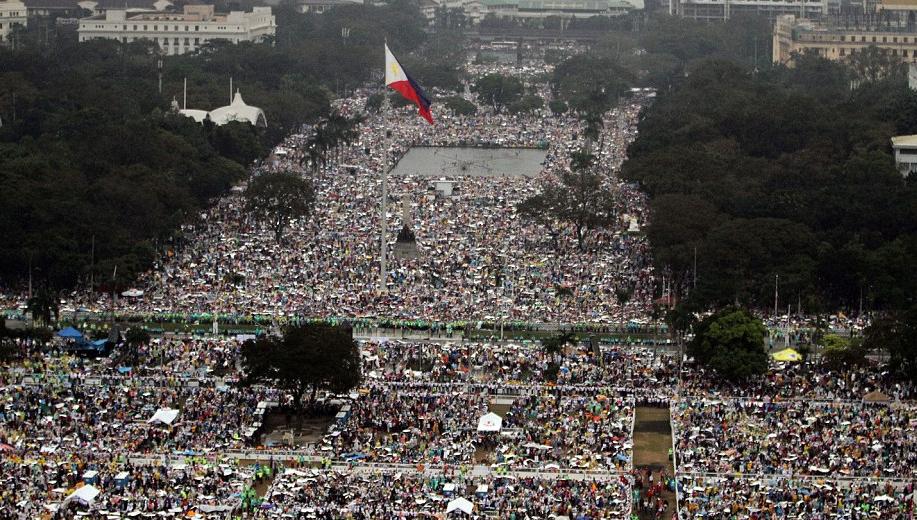 Papa Manila messa