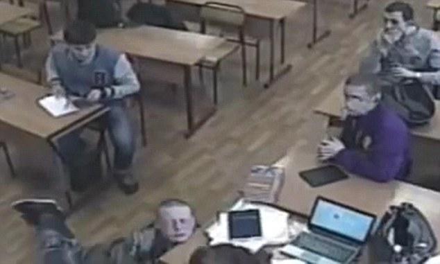 Sergei Casper, vittima di bullismo, muore in classe tra le risate dei compagni
