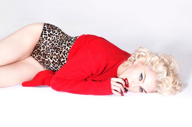"""Madonna in un'immagine promozionale per """"Rebel Heart"""" (billboard.com)"""