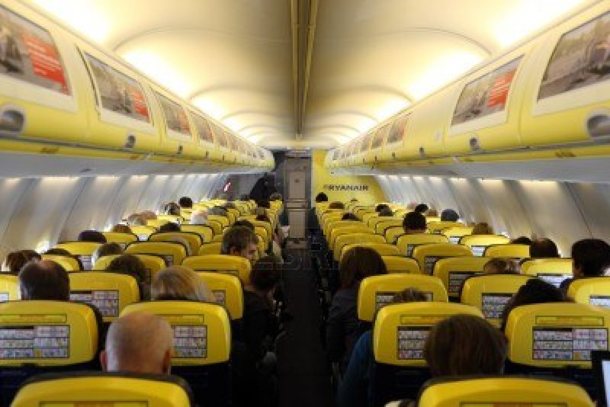 Ryanair voli dall 39 europa a new york a 10 euro for Interieur avion ryanair