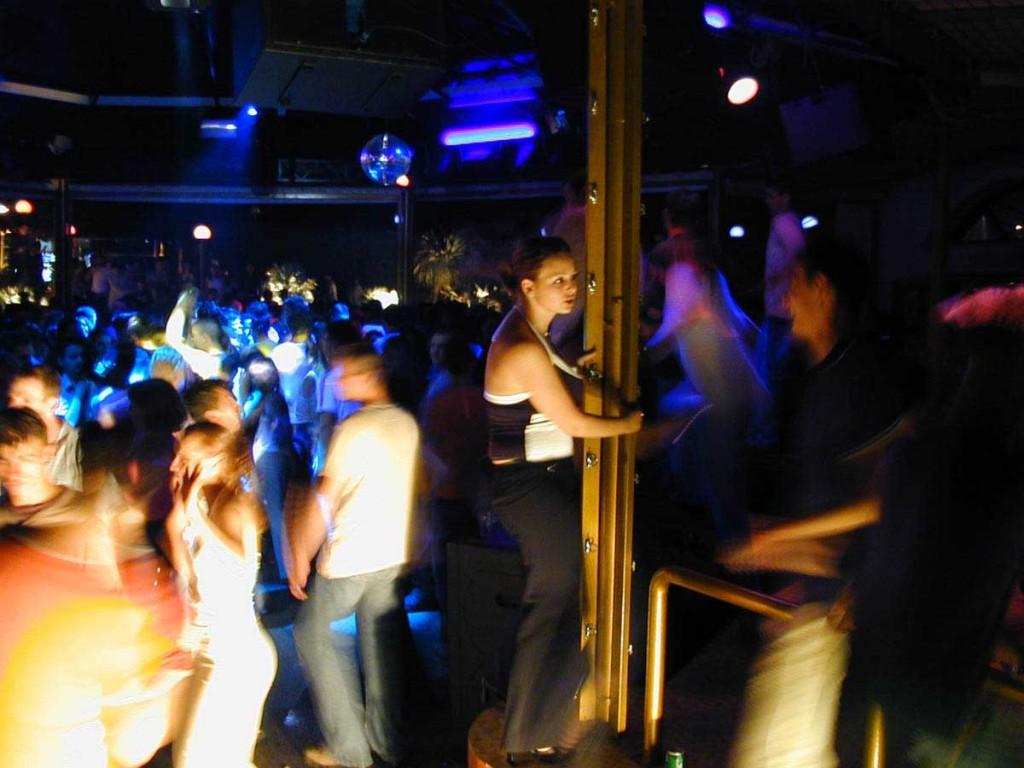 cerco donne mature per sesso night club torino
