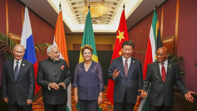"I presidenti dei Paesi ""Brics"": Vladimir Putin (Russia), Narendra Modi (India), Dilma Roussef (Brasile), Xi Jinping (Cina) e Jacob Zuma (Sud Africa)"