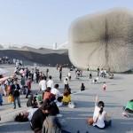 Il progetto del padiglione del Regno Unito, premiato come miglior padiglione a Expo 2010. Disegnato da Thomas Heatherwick, oggi è stato smantellato: parte è stato messo all'asta, parte donato alle scuole, e parte al Museo Mondiale dell'Expo