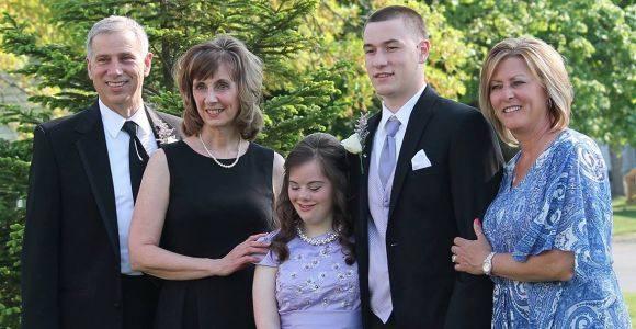 Mary e Ben con i rispettivi genitori (www.fnewsen.com)