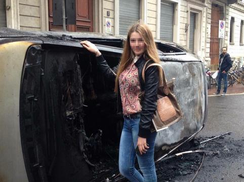 NoExpo Selfie auto bruciata