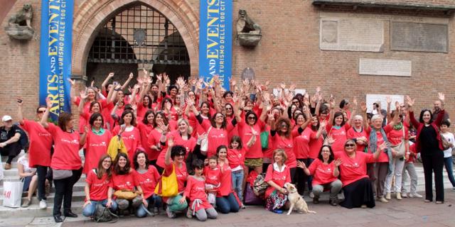 Il curvy pride di Bologna nel 2013 (www.cimettolacurva.it)