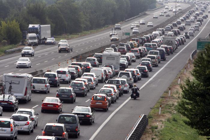Disagi sulla A1 con code di molti Km a causa di due incidenti avvenuti nella notte (www.ansa.it)