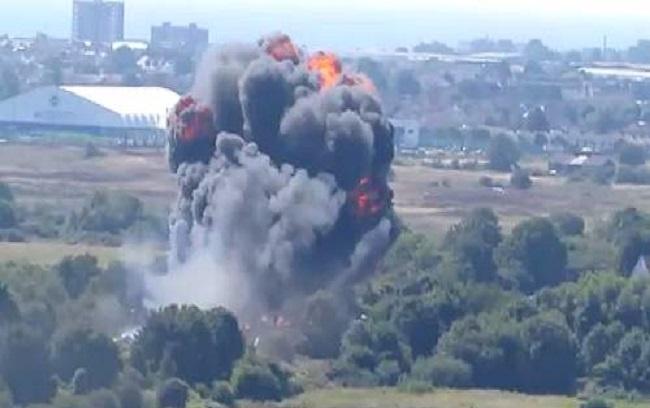 Un'esibizione in un Airshow inglese è finita in tragedia: 7 morti e 15 feriti (lavocedivenezia.it)