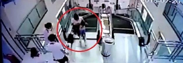 Uno dei tre tragici incidenti sulle scale mobili in Cina (ogginotizie.it)