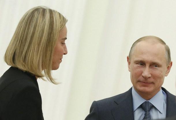 Presidente della Russia, Vladimir Putin e l'Alto Rappresentante della Politica estera europea, Federica Mogherini (kyivpost.com)