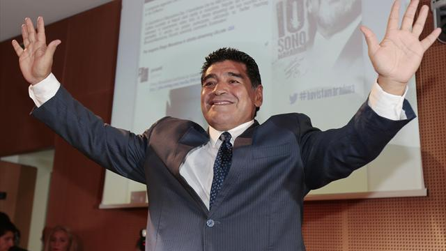 Diego Armando Maradona (sports.yahoo.com)