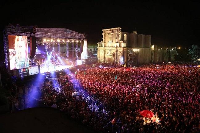 Tutti in piazza a Melpignano per il concertone del 22 (identitainsorgenti.com)