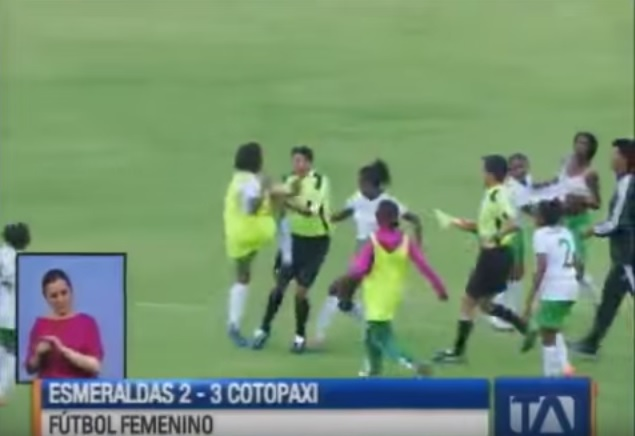 video-calcio-femminile-ecuador-rissa