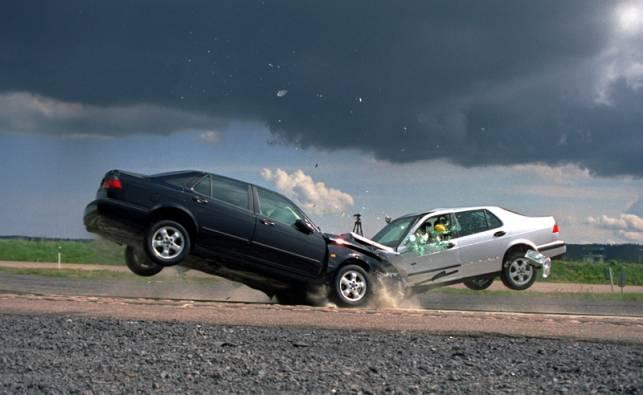 Il numero di vittime di incidenti stradali nella prima metà del 2015 è salito a 972 contro le 952 del 2014 (055firenze.it)