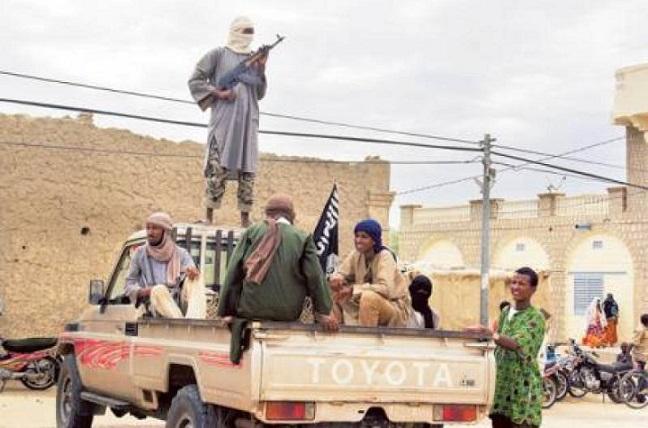 Un commando di jihadisti ha assediato un hotel in Mali provocando la morte di 12 persone (dagospia.com)