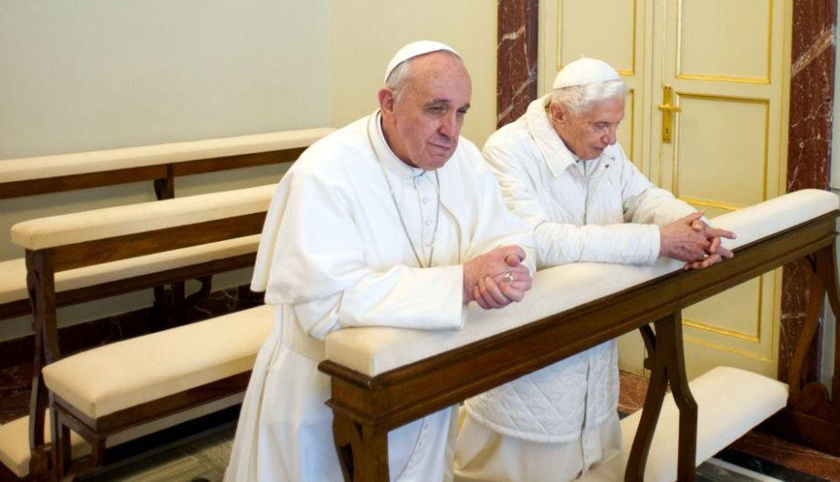 ratzinger-bergoglio-privilegi-chiesa