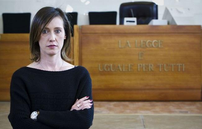 Ilaria Cucchi, sorella di Stefano, non si è mai arresa nella lotta per la verità (2duerighe.com)