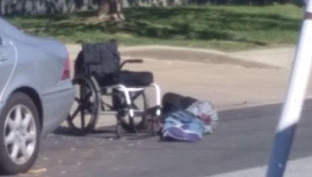 Jeremy McDole a terra dopo essere stato crivellato di colpi (dailymail.co.uk)