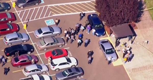 Chris Harper Mercer ha ucciso 9 persone in un college dell'Oregon (fonte: euronews.com)