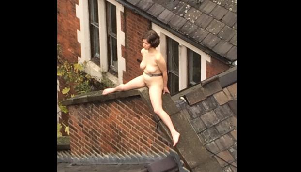 alaston nainen näyttää kaiken Jarvenpaa