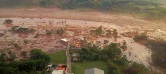 Tragedia in Brasile, dove una diga è crollata sommergendo di fango un intero paese (www.news.istella.it)