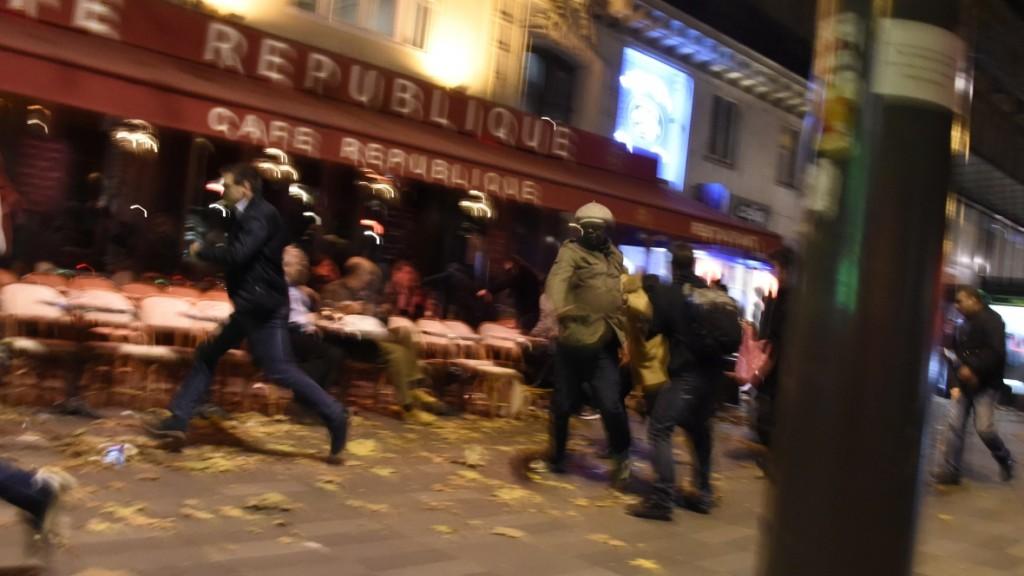 Terrore nelle vie di Parigi (cbc.ca)