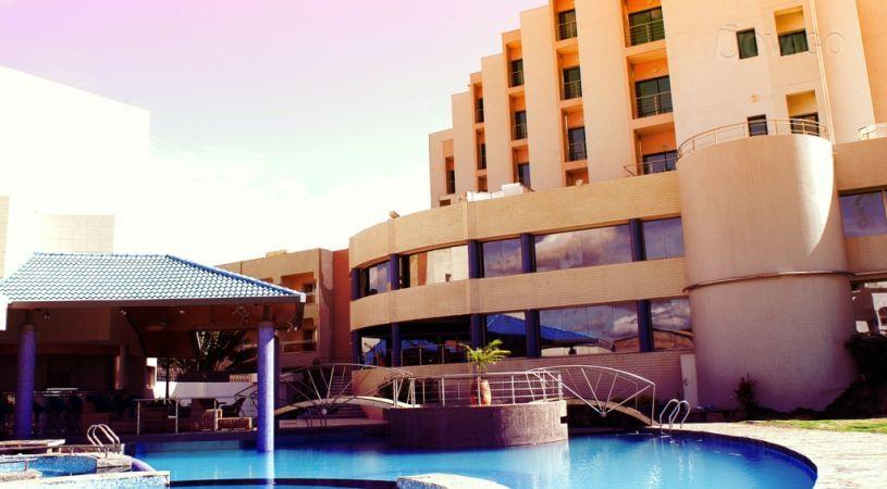 L'hotel Radisson di Bamako (www.toscananews24.it)