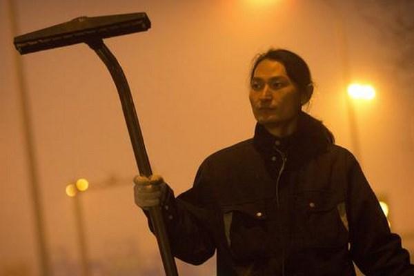 Wang Renzheng, il cacciatore di smog di Pechino (fonte: socialchannel.it)