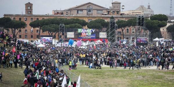 Il Family Day al Circo Massimo (fonte: ilpost.it)