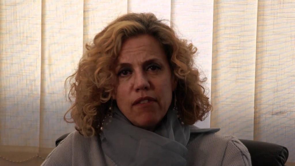 La senatrice Monica Cirinnà, relatrice del provvedimento per l'istituzione delle unioni civili in Italia (youtube.com)